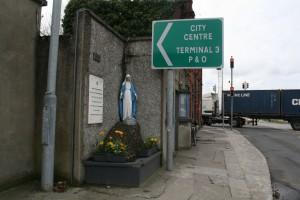Statue of the Virgin Mary in Dublin City. Photo by Eoin O'Mahony.