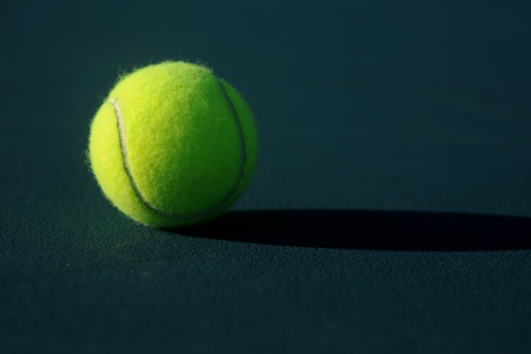 Picture of a tennis ball